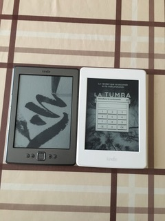 Kindle de 4ª generación en comparación con Kindle Paperwhite 2016