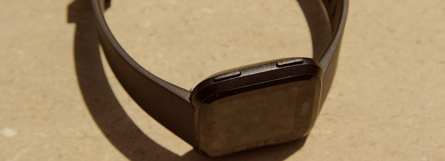 Fitbit Versa Acabado Acero Plástico