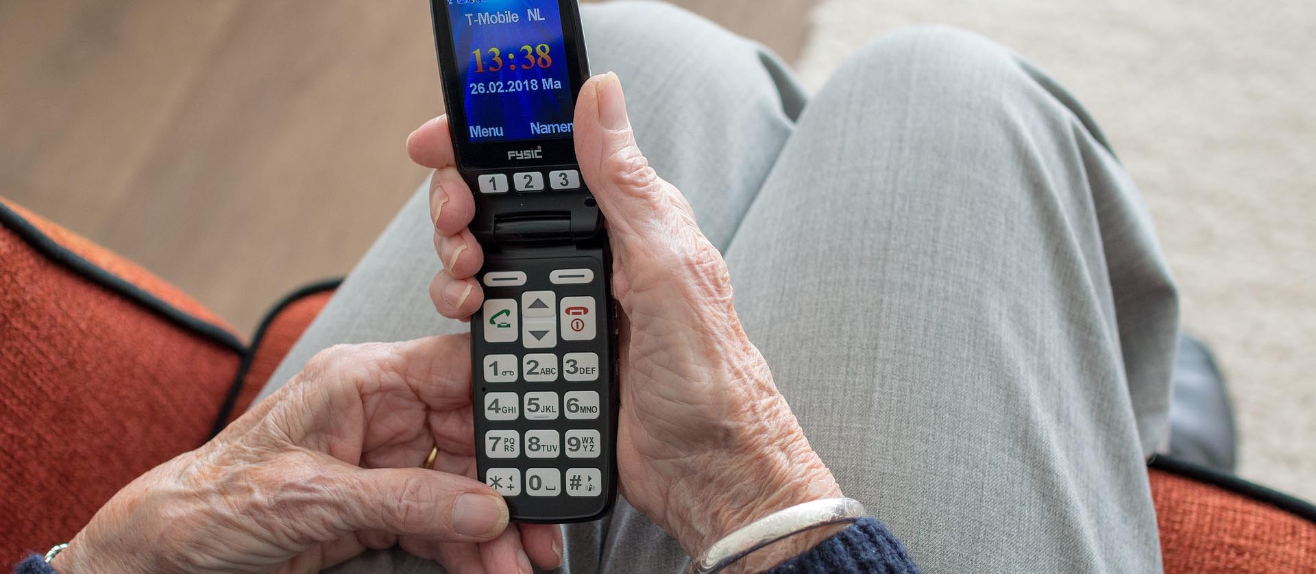 teléfono móvil para personas mayores 2019