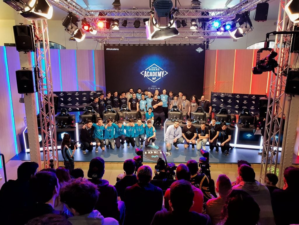 Movistar eSports Center gradas retransmisión online