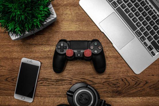 mando de playstation diseño elegante