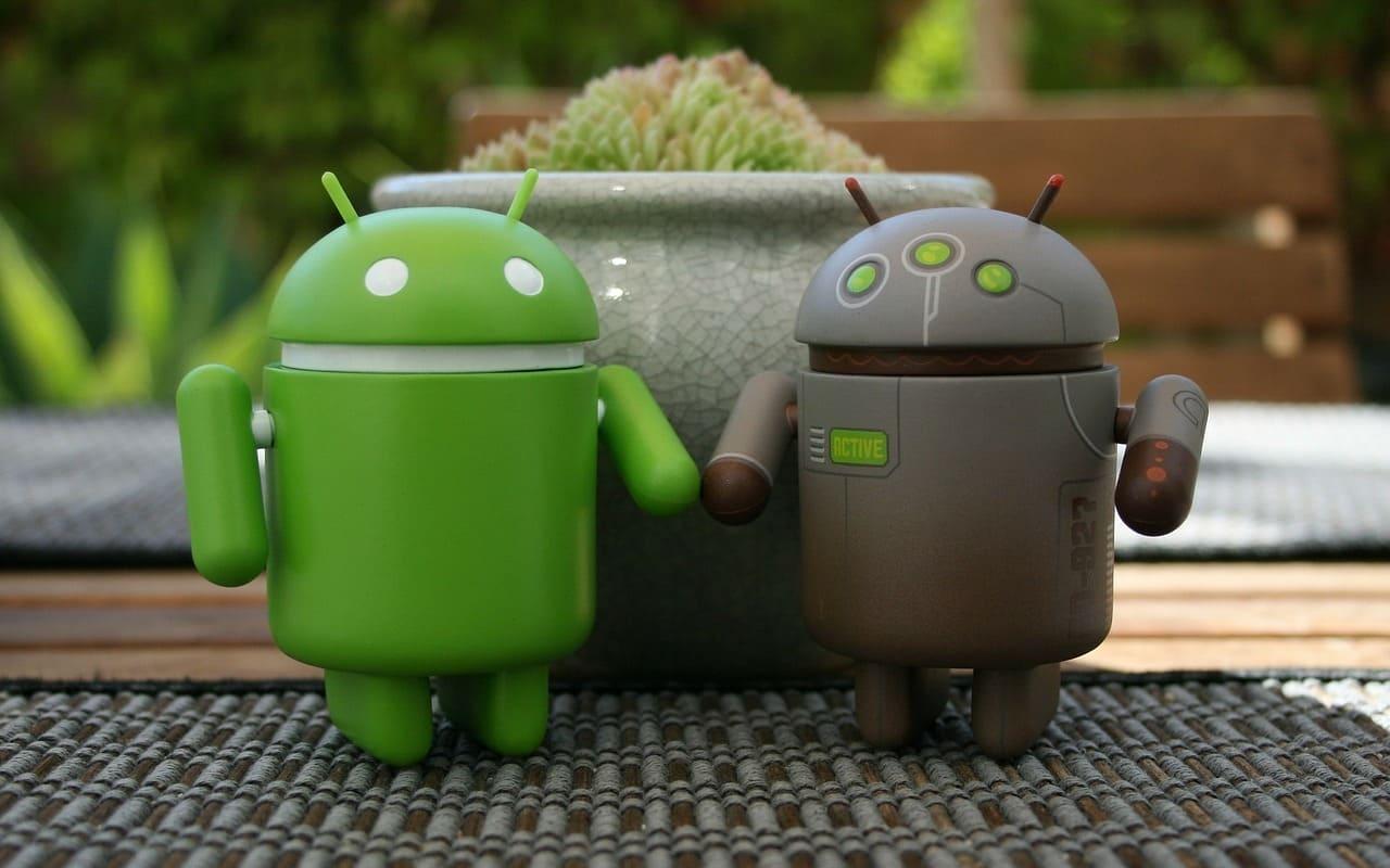pareja de figuras android