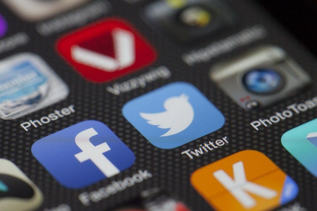 Las tensiones entre Facebook, Google, Twitter y Hong Kong continúan en aumento.