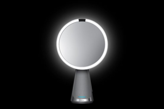 Vista frontal espejo Sensor Mirror Hi-Fi con Alexa