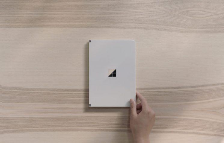 Surface Neo plegada
