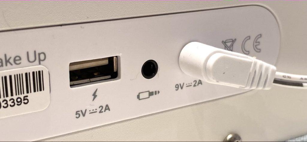 Energy Sistem Smart Speaker Wake Up trasera USB y Auxiliar