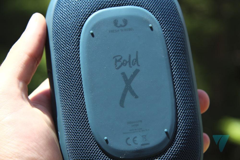parte trasera del bold x, donde podemos ver claramente que se trata de este producto