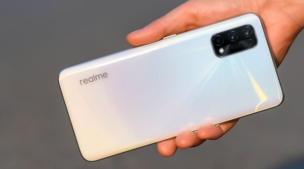 Realme X7 diseño