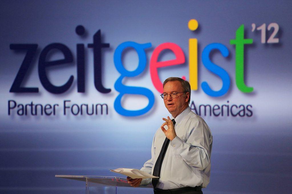 Eric Schmidt, exdirector de Google, da su punto de vista de las redes sociales.
