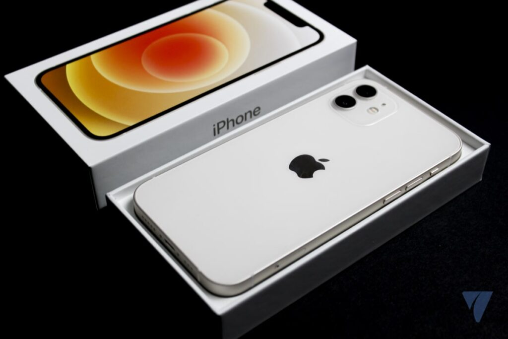 India coloca obstáculos a la importación de iPhone 12 fabricado en China.