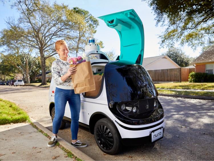 Vehículo Nuro R2 del nuevo servicio autónomo de entregas en California.