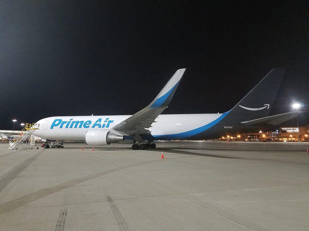 Amazon Air adquiere su primera flota de aviones.